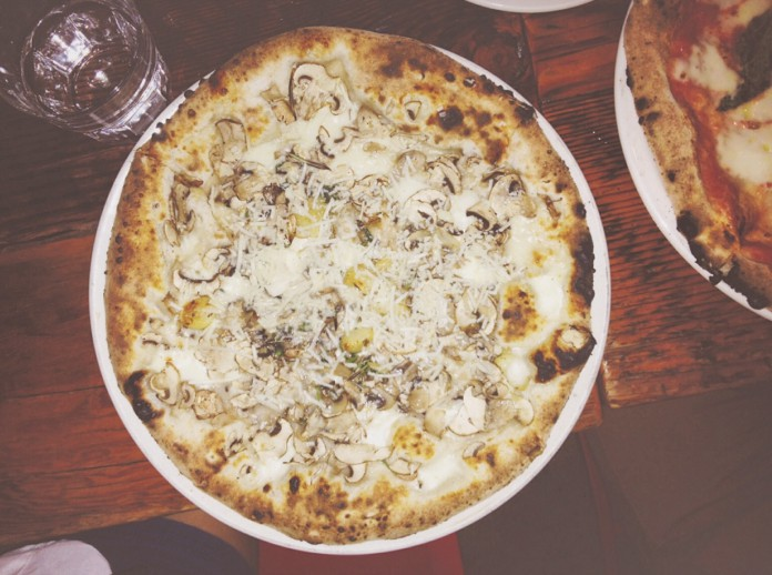 Behold! The cremini mushroom pizza. How did they know mushrooms are my favourite fungus?